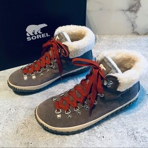 Sorel Out N About Conquest Booties 9.5 EUR 40.5